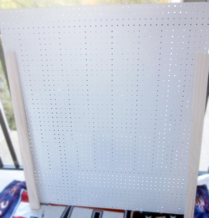 how-to-a-kitchen-pegboard-wall-organizer-L-99gkae