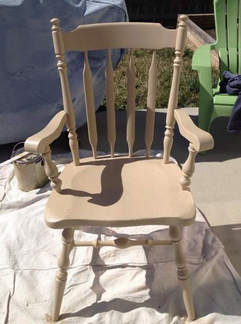 05-aqua-distressed-chair