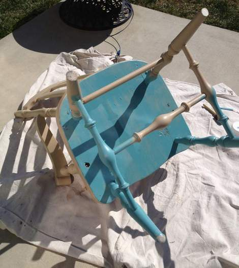 06-aqua-distressed-chair