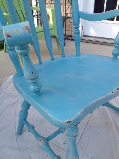 08-aqua-distressed-chair